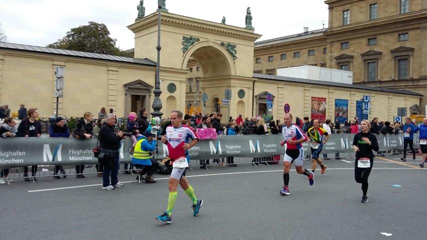 Laufen -rtr-weiz-WhatsApp-Image-2017-10-09-at-21.24.42-Small-München Marathon und Marathonreise 2017