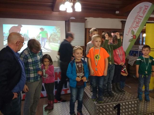 Laufen -rtr-weiz-WhatsApp-Image-2017-11-05-at-13.11.41-Small-Weizer Bezirkslaufcup Gesamtsiegerehrung 2017
