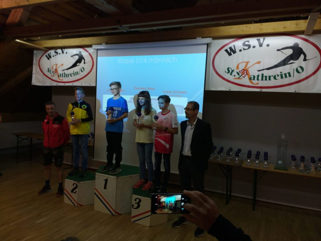 Laufen -rtr-weiz-WhatsApp-Image-2018-11-11-at-11.47.471-1024x768-Weizer Bezirkslaufcup Gesamtsiegerehrung 2018